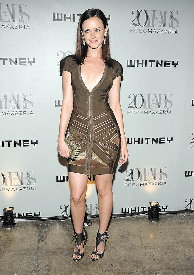 "Former ""Gilmore Girl"" Alexis Bledel popped a pose in a stunning Herve Leger bandage dress and pewter Giuseppe Zanotti heels. Jamie McCarthy/<a href=""http://www.wireimage.com"" target=""new"">WireImage.com</a> - June 16, 2009"