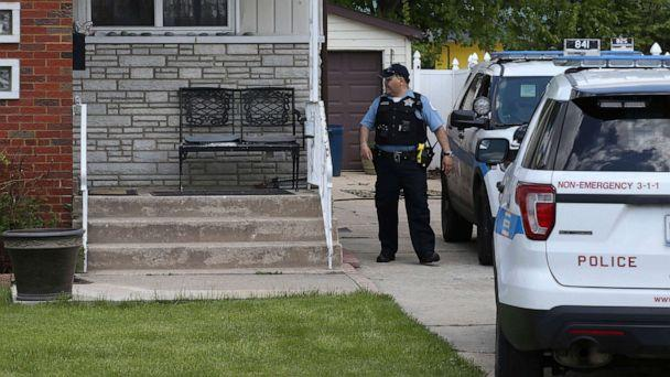 PHOTO: Chicago police watch over a home in Chicago, May 15, 2019, where Marlen Ochoa-Uriostegui who had gone to a Chicago home in response to a Facebook offer of free baby clothes was strangled and her baby cut from her womb. (Terrence Antonio James/AP)