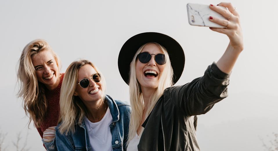 The trend for selfies is fuelling a rise in sore wrist complaints, according to a doctor [Image: Getty]