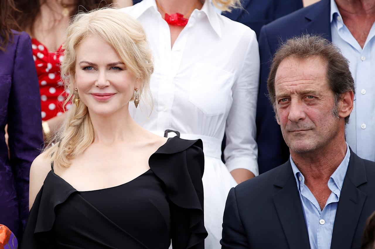 70th Cannes Film Festival - Photocall for the 70th Anniversary of the festival - Cannes, France. 23/05/2017. Actress Nicole Kidman and actor Vincent Lindon pose for a family picture with Jury members of the 70th Cannes festival and former Cannes festival award winners. REUTERS/Stephane Mahe