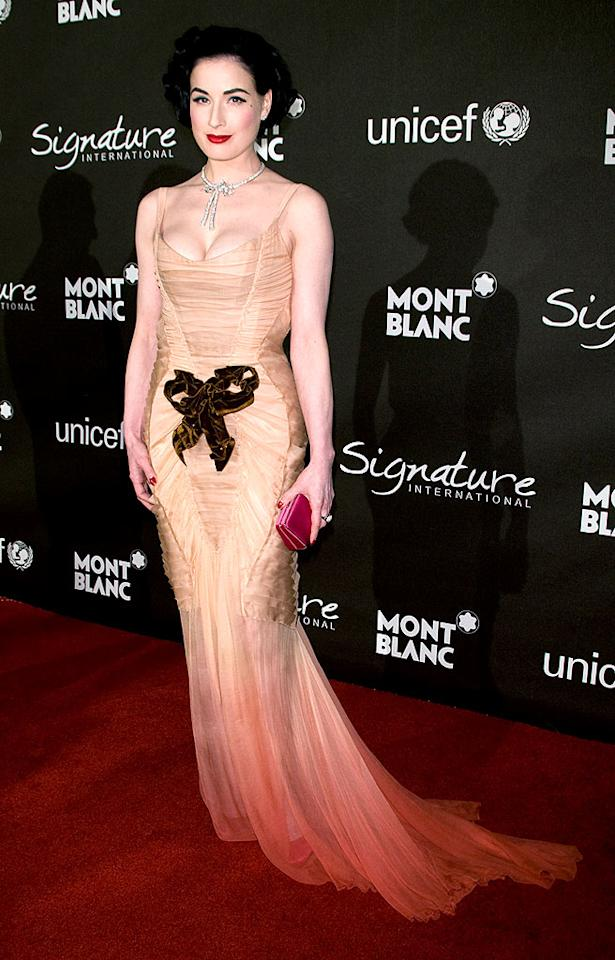 "Is it just us, or does the copper-colored bow on Dita Von Teese's chiffon Christian Lacroix gown ruin her entire look? Michael Bezjian/<a href=""http://www.wireimage.com"" target=""new"">WireImage.com</a> - February 20, 2009"