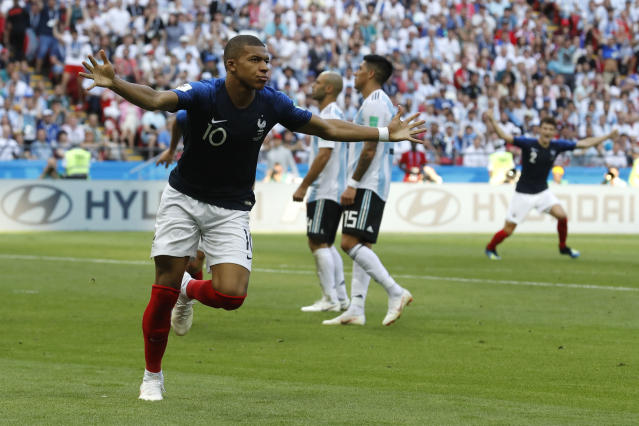 Kylian Mbappe celebrates his winning goal for France against Argentina in the 2018 World Cup Round of 16. (Getty)