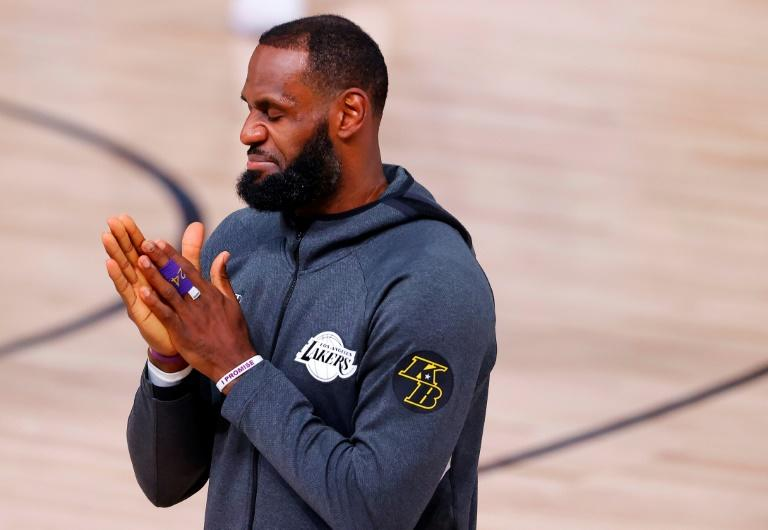 LeBron objects to tweets, image in deceptive ad campaign