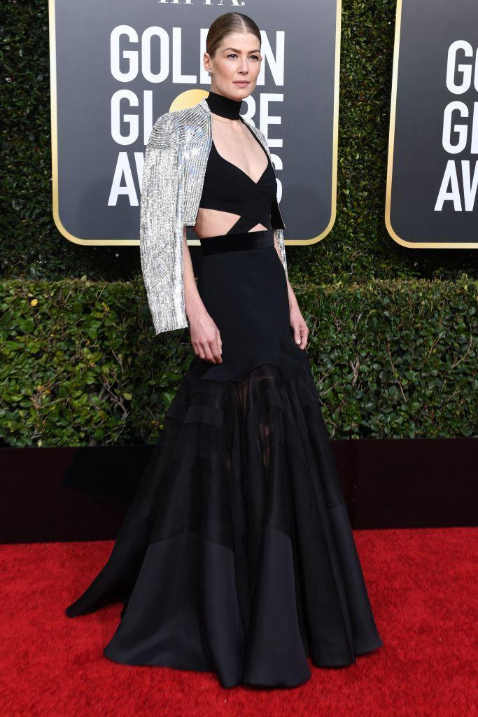 <p>Rosamund Pike attends the 76th Annual Golden Globe Awards at the Beverly Hilton Hotel in Beverly Hills, Calif., on Jan. 6, 2019. (Photo: Getty Images) </p>