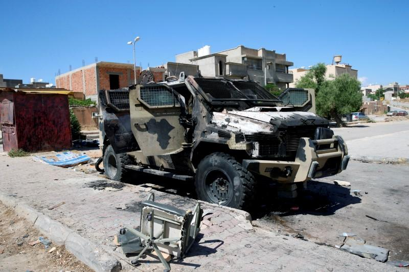 Libya officials hold talks abroad amid fears of more fighting