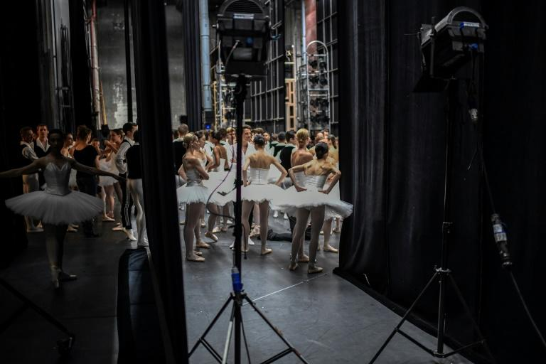 Paris Opera director Alexander Neef has praised the initiative by sum dancers to raise the issue of racism