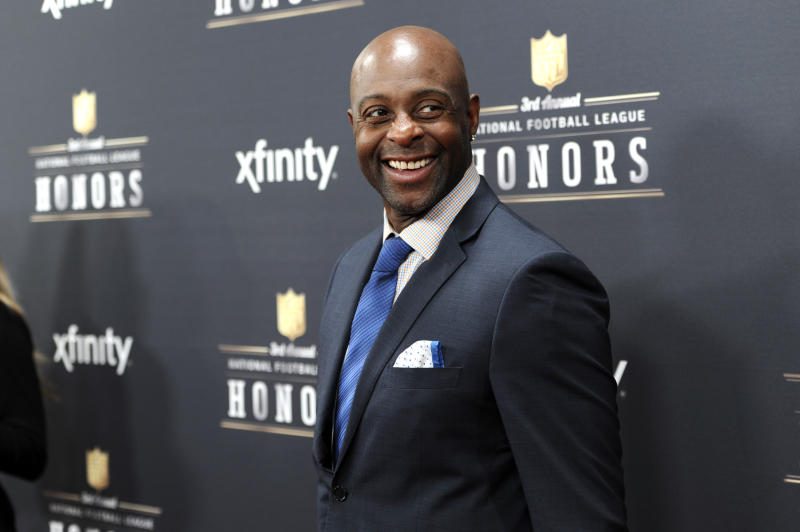 Have you seen Jerry Rice at a wedding you've attended recently? (AP)