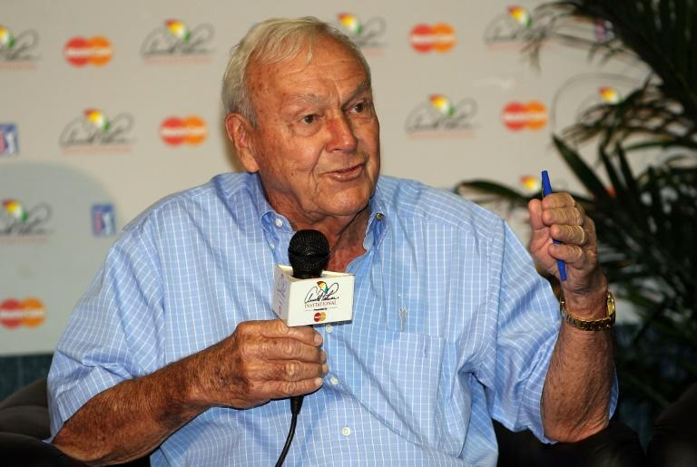 The late golf legend Arnold Palmer will have a US postage stamp issued with his image on it next year, the US Postal service announced Tuesday