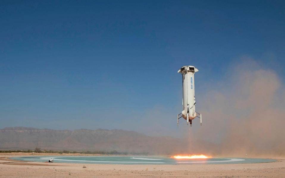 The booster of the Blue Origin New Shepard rocket prepares to land in a project called Mission 9 (M9) in western Texas in 2018 - Blue Origin/Blue Origin