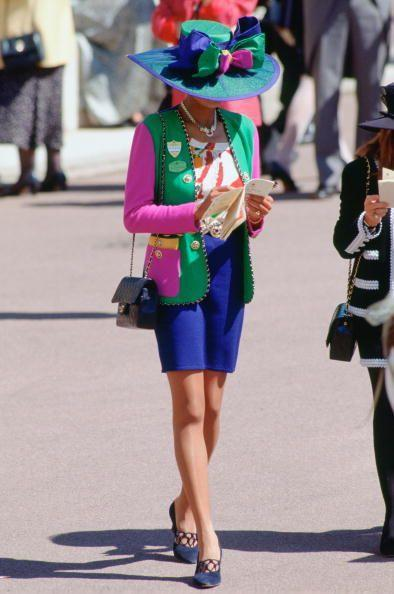 <p>Mixing just about every color of the rainbow in one outfit is completely allowed in 1999. In fact, it's encouraged.</p>