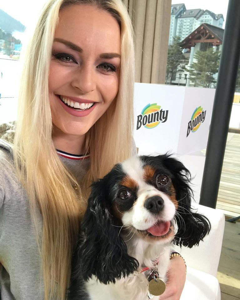 <p>lindseyvonn: Just two happy chicks enjoying our last days in Korea with great people. #olympics #allsmiles<br /> (Photo via Instagram/lindseyvonn) </p>
