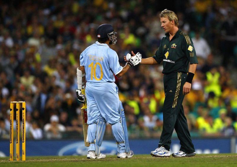 Brett Lee apologizing to Sachin after bowling a beamer to him in the 2008 tri-series in Australia