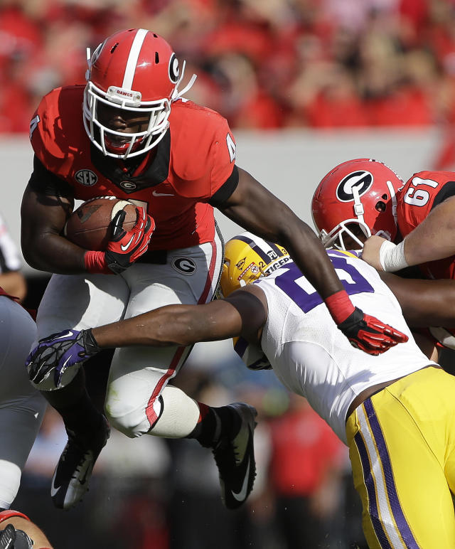 No. 6 Georgia's Marshall injures right knee