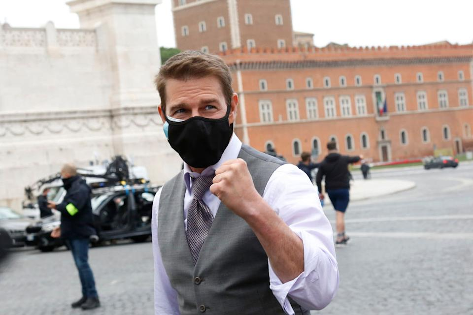 "Tom Cruise wears a mask while ""Mission: Impossible 7"" films Nov. 29 in Italy. (Photo: Samantha Zucchi/Insidefoto/Mondadori Portfolio via Getty Images)"