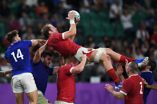 Wales' lock Alun Wyn Jones catches the ball during the Japan 2019 Rugby World Cup quarter-final match between France and Wales at the Tokyo Stadium in Tokyo, Japan (AFP Photo/CHARLY TRIBALLEAU)