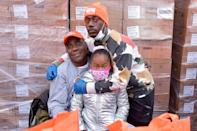<p>Tracy Morgan, Maven Sonae Morgan and Tracy Morgan Jr. volunteered at the Food Bank for New York City to hand out turkies to Brooklyn families in celebration of Thanksgiving.</p>
