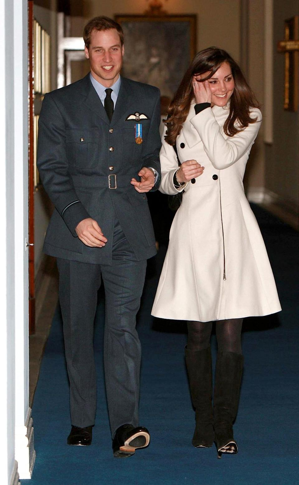 <p>Kate and Wills are all smiles as the Prince becomes a qualified pilot for the RAF.<br><i>[Photo: PA]</i> </p>
