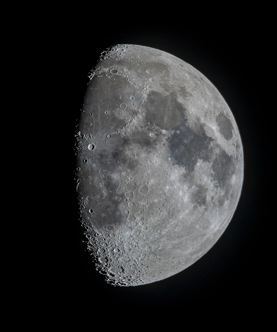 """<h2>Waxing Gibbous</h2> <br>The moon looks bigger than half-full, but not completely full during this phase, and it's getting larger. It's a time to take stock of where you're at with your plans and goals, and assess your strategy for going forward. """"Do we need to readjust our ideas and options or do we proceed ahead?"""" Arriana says. Hale calls it, """"the time to refine ideas.""""<br> <br>""""Those born on a Gibbous moon are eager to improve others and themselves, and have an innate ability to evaluate things carefully, leading to the ability to bring things to successful conclusions,"""" Hale says. Waxing gibbous moons like to get things done, and well.<br><br>""""They often have large spiritual aspirations and can be devoted to those they consider larger than life,"""" Hale continues. They tend to have strong connections too, surrounding themselves with loved ones, friends, and family.<span class=""""copyright"""">Photo: Alan Dyer/VWPics/Universal Images Group/Getty Images.</span><br><br><br><br><br>"""