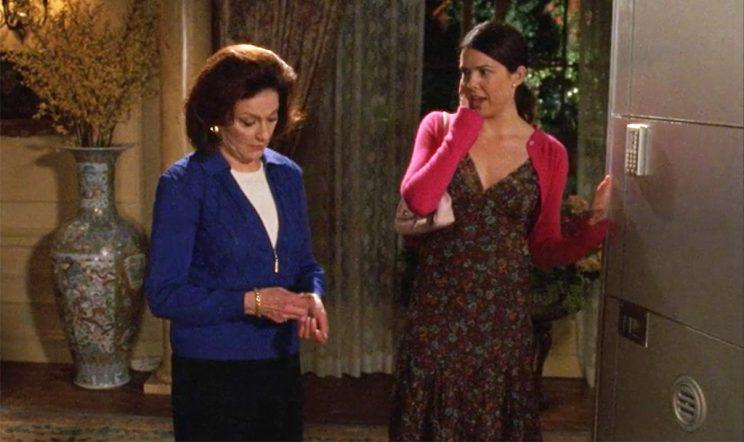 Kelly Bishop and Lauren Graham (Credit: WB)
