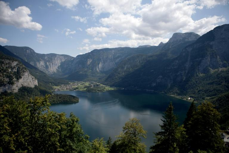 Towering over a natural lake -- today frequented by masses of tourists, particularly from Asia, who come to admire the picture-perfect Alpine scenery -- the Hallstatt mine lies more than 800 metres (2,600 feet) above sea level