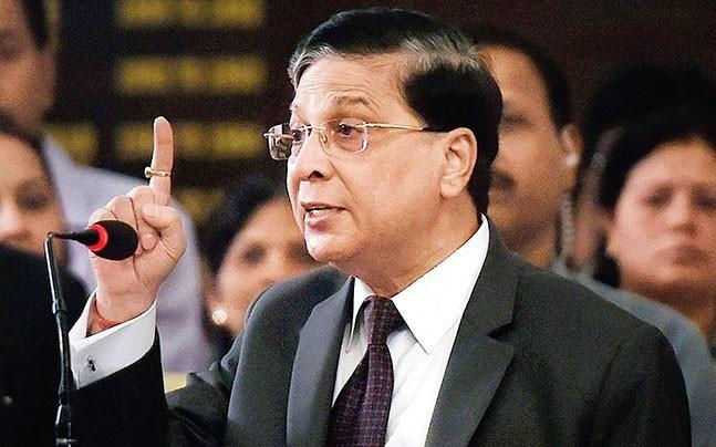 <p>The CJI has raised serious concern over the recent trend of some senior advocates  raising their voice and shouting at judges while arguing cases.</p>