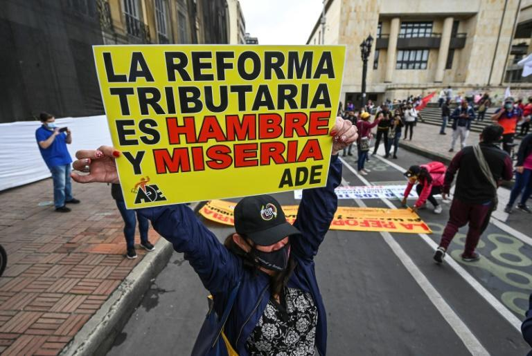 Thousands of Colombians marked their independence day with another anti-government protest