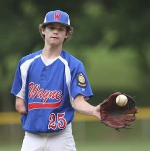 Wayne teenager Andrew Austen, who excels in three sports — Philadelphia Daily News