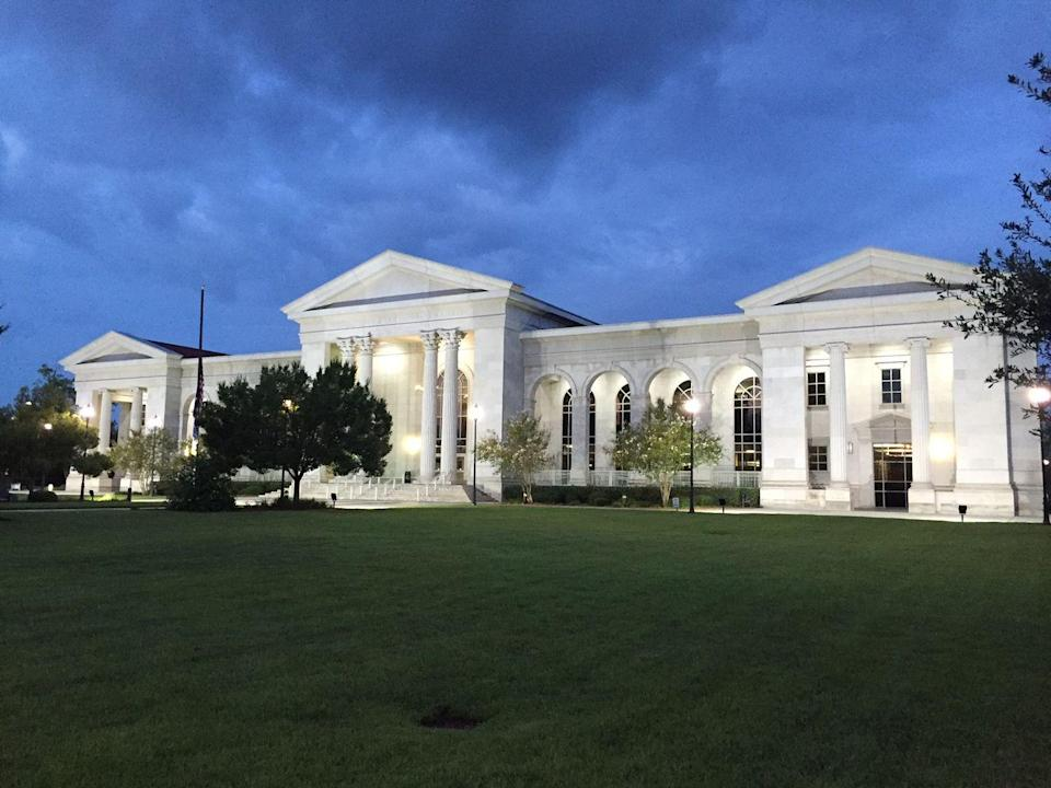 """<p>An immense bright white limestone building with classical columns, set on a pristinely manicured lawn? This is one incredibly <a href=""""http://florenceco.org/offices/library/"""" rel=""""nofollow noopener"""" target=""""_blank"""" data-ylk=""""slk:eye-catching library"""" class=""""link rapid-noclick-resp"""">eye-catching library</a>. </p>"""