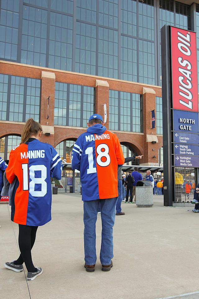 INDIANAPOLIS, IN - OCTOBER 20: Peyton Manning fans wait outside Lucas Oil Stadium prior to a game between the Indianapolis Colts and the Denver Broncos on October 20, 2013 in Indianapolis, Indiana. (Photo by Dilip Vishwanat/Getty Images)