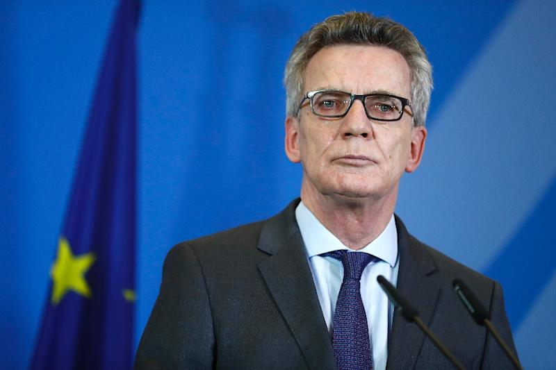 """After Germany threatened aid cuts to countries refusing to return rejected asylum seekers, German Interior Minister Thomas de Maizière told ARD public TV that he """"fully supports this idea"""" on January 8, 2017 (AFP Photo/Odd Andersen)"""