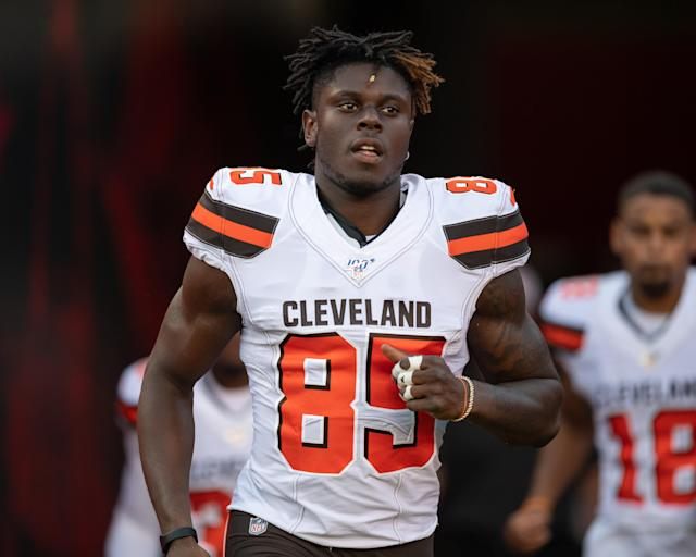 David Njoku reportedly suffered a broken wrist on the same play against the Jets that left him concussed. (Getty)