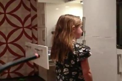 Dad Makes Daughter's Ponytail With Vacuum