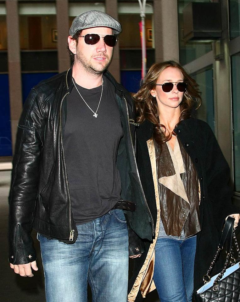 """After making their first public appearance together at the Academy of Country Music Awards in Las Vegas, Jamie Kennedy and Jennifer Love Hewitt headed to NYC. Jackson Lee/<a href=""""http://www.splashnewsonline.com/"""" target=""""new"""">Splash News</a> -April 7, 2009"""