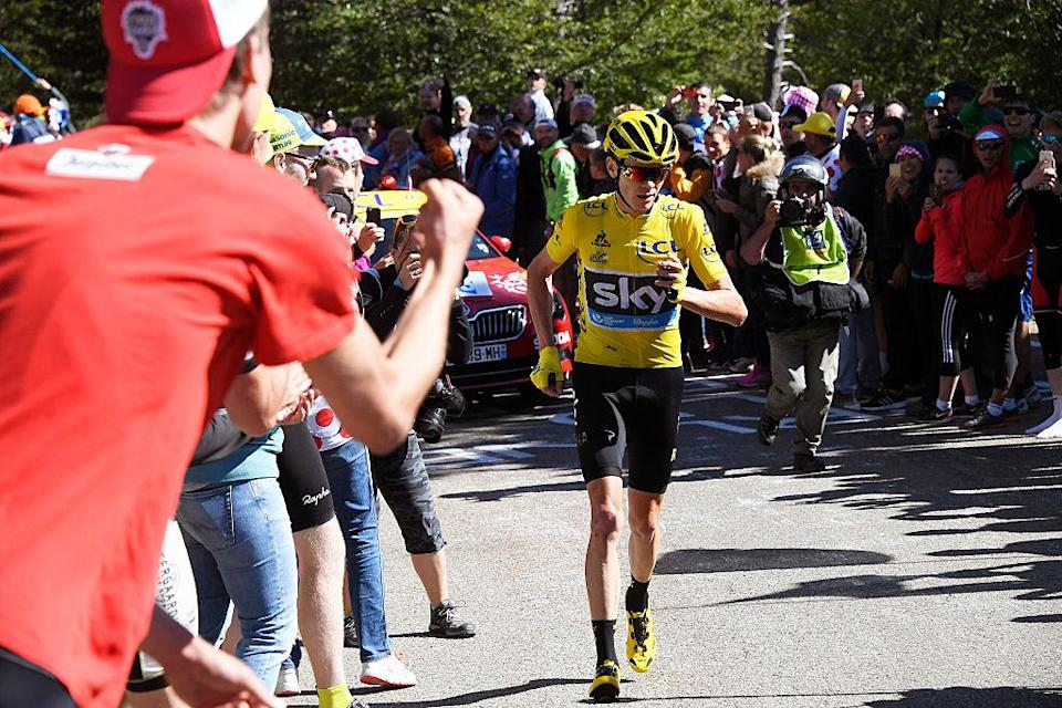 Cycling: 103th Tour de France 2016 / Stage 12 Christopher FROOME (GBR) Yellow Leader Jersey / Mechanical Problem Broken Bike /  Montpellier - Mont Ventoux / Chalet Reynard 1435m (178Km)/ Stage shortened 6km due to heavy winds/  TDF / pool sm© Tim De Waele