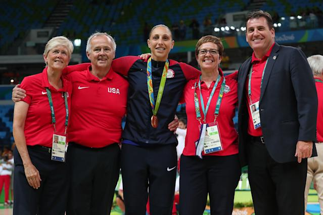 "The longer break due to the coronavirus pandemic could help <a class=""link rapid-noclick-resp"" href=""/wnba/players/628/"" data-ylk=""slk:Diana Taurasi"">Diana Taurasi</a> (center) and Team USA women's hoops. (Photo by Tom Pennington/Getty Images)"