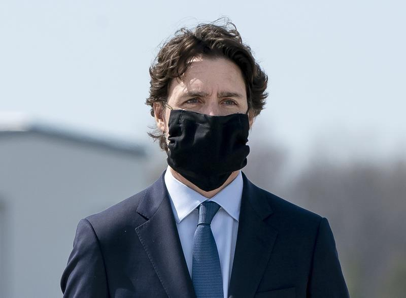 National directive on wearing face masks coming today, Trudeau says