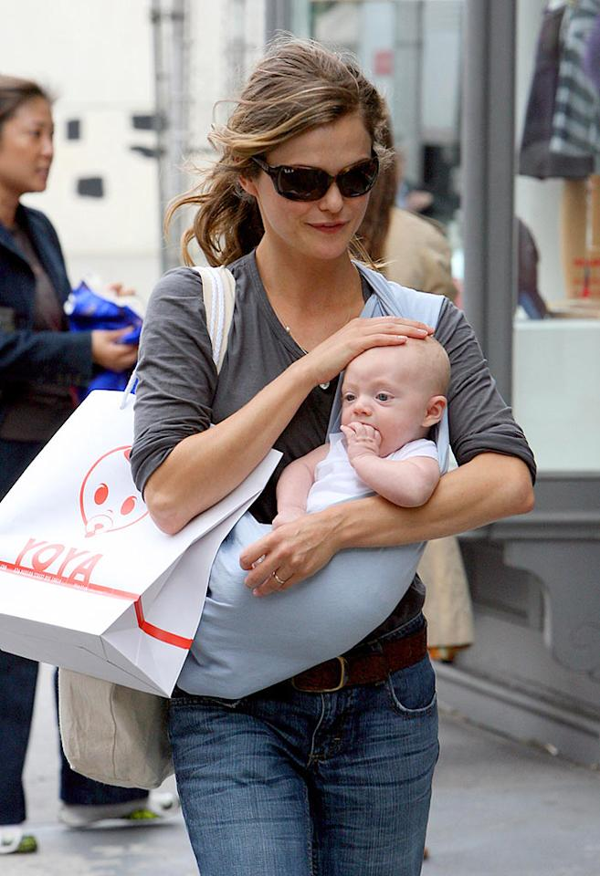 """Keri Russell gave birth to her first child, River Russell, on June 9. Although she was in labor for 38 hours, it looks like the """"Felicity"""" star thought it was worth it! <a href=""""http://www.infdaily.com"""" target=""""new"""">INFDaily.com</a> - October 1, 2007"""