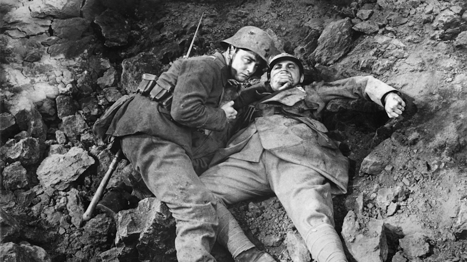 <p> Boredom, hunger, and the ever-present threat of sudden death transform an episodic story into Hollywood's definitive account of trench warfare. The original film from 1930 is the role for which actor Lew Ayers is best known, as German soldier Paul Bumer. One of several schoolboys convinced by their patriotic schoolteacher to enlist in the army, he and his friends come to learn that doing your bit for your country means sacrificing everything. </p>