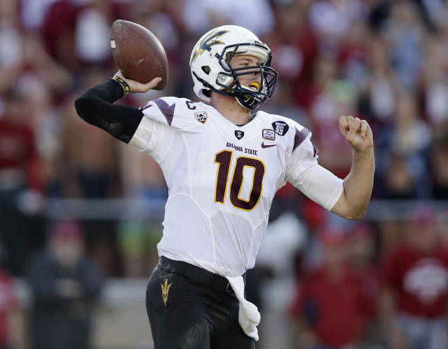 Arizona State quarterback Taylor Kelly throws against Stanford during the second half of an NCAA college football game Saturday, Sept. 21, 2013, in Stanford, Calif. (AP Photo/Marcio Jose Sanchez)