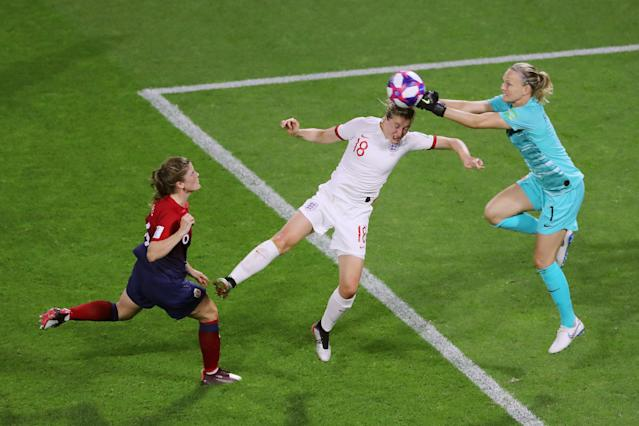 Ellen White of England collides with Ingrid Hjelmseth of Norway during the 2019 FIFA Women's World Cup France Quarter Final match between Norway and England at Stade Oceane on June 27, 2019 in Le Havre, France. (Photo by Elsa/Getty Images)
