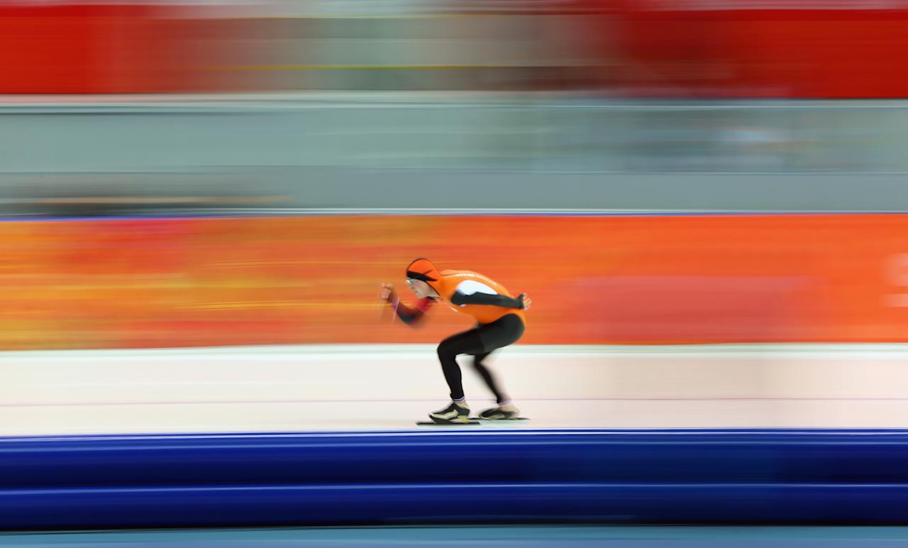 SOCHI, RUSSIA - FEBRUARY 08: Sven Kramer of the Netherlands competes during the Men's 5000m Speed Skating event during day 1 of the Sochi 2014 Winter Olympics at Adler Arena Skating Center on February 8, 2014 in Sochi, Russia. (Photo by Quinn Rooney/Getty Images)