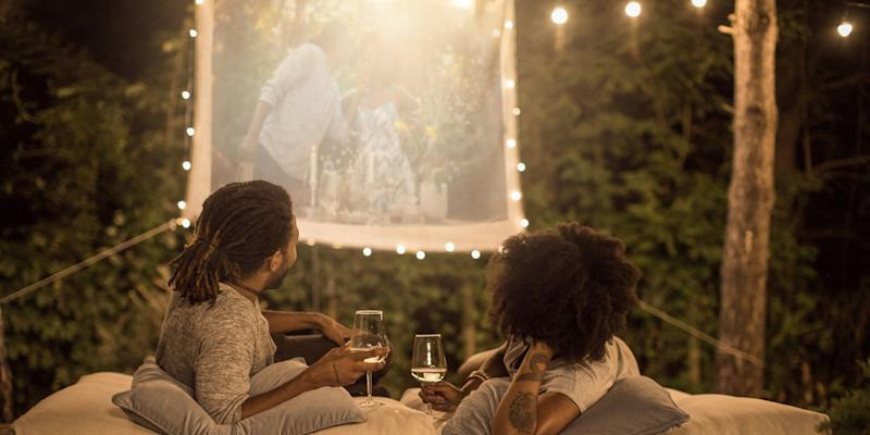 How To Create The Perfect Backyard Movie Theater