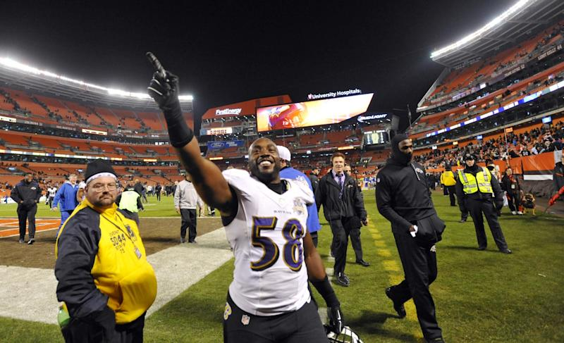 Former Ravens pass rusher Elvis Dumervil signs with 49ers