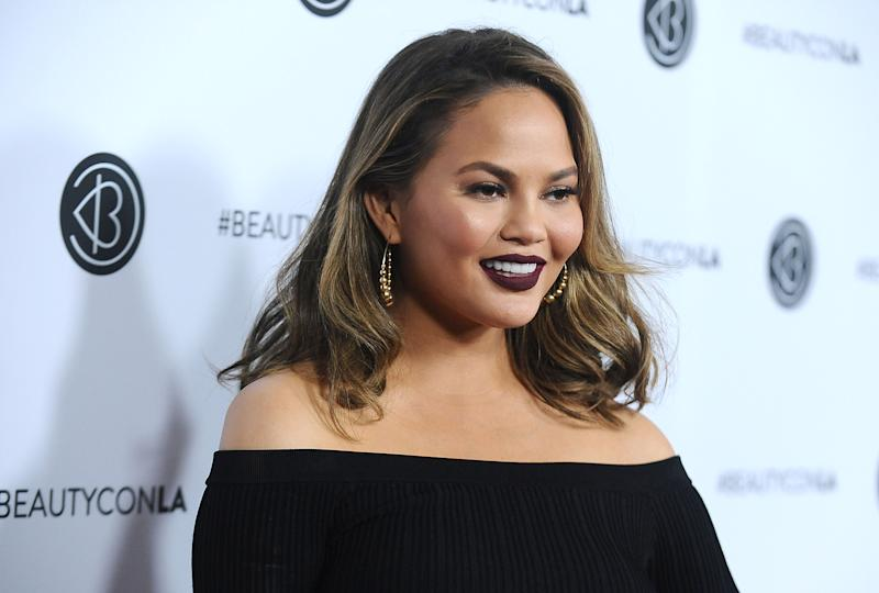 Chrissy Teigen Just Took an 8-Hour Flight From LAX to LAX