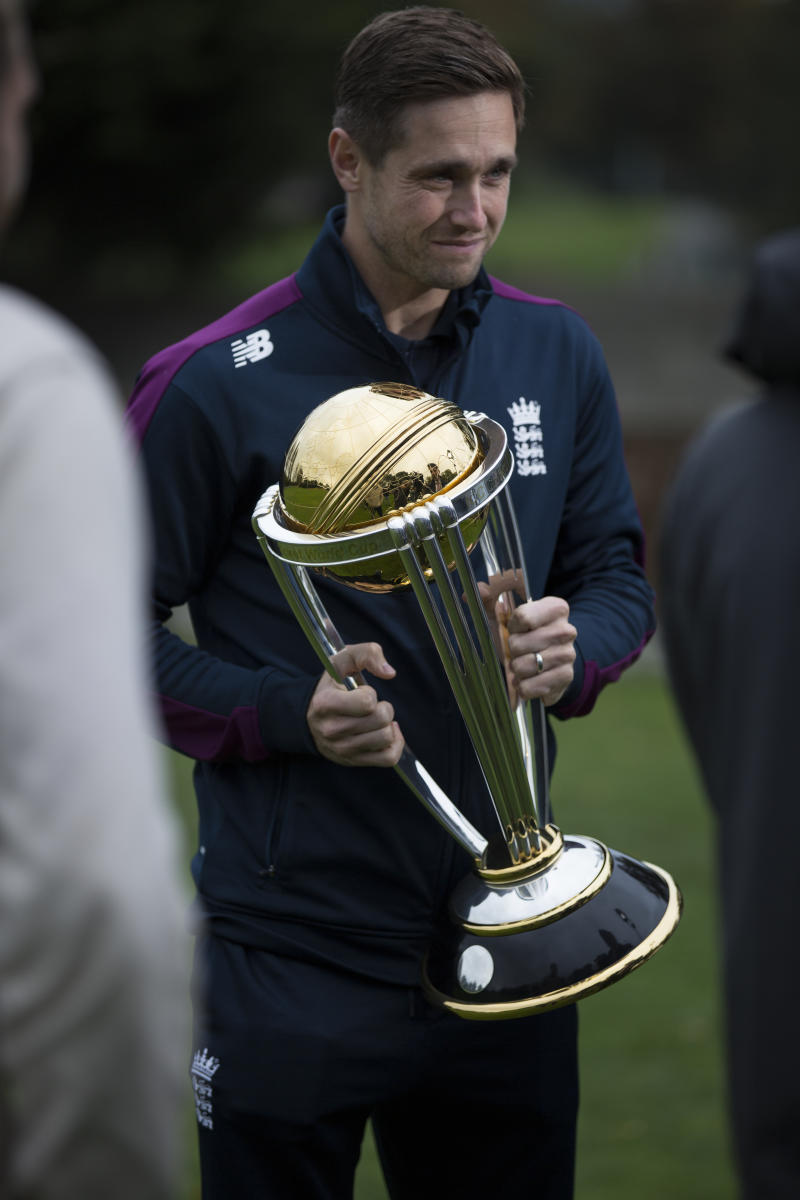 Chris Woakes with the ICC Cricket World Cup trophy
