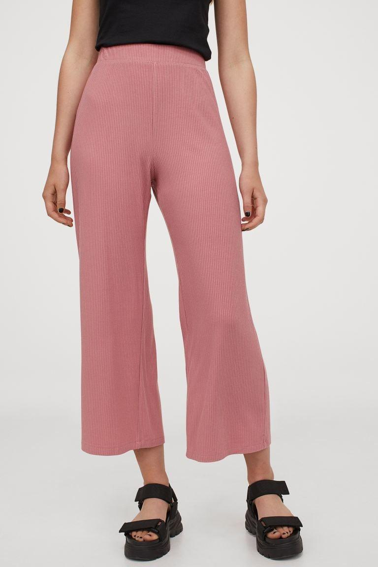 <p>These <span>H&M Ribbed Pants</span> ($18) also come in black, but we love this cute pink shade.</p>