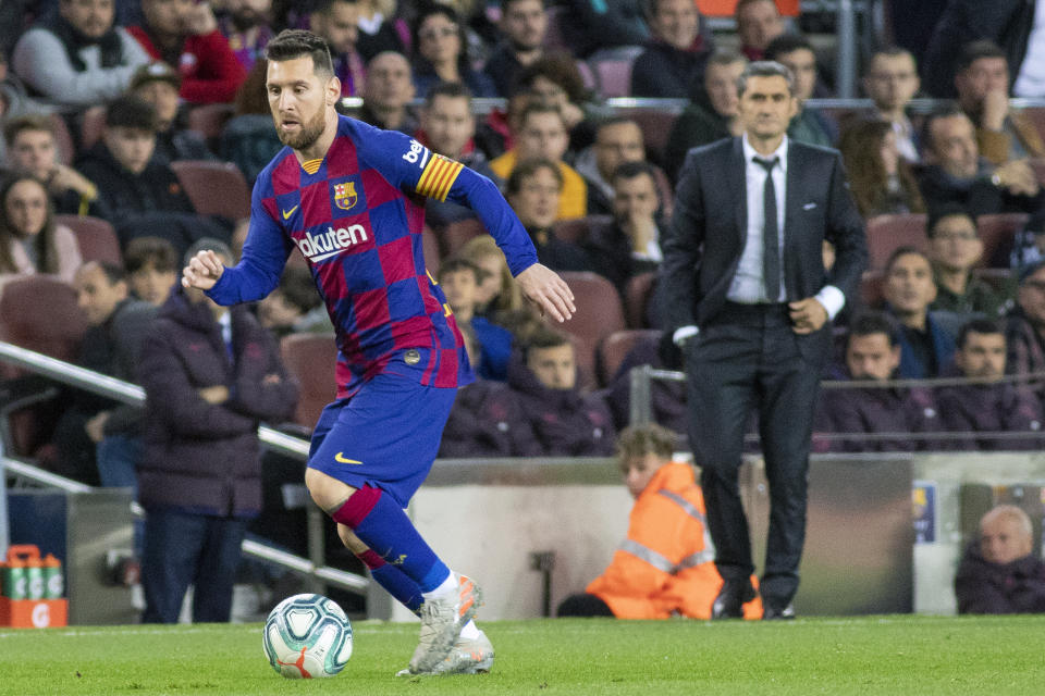 Lionel Messi and Ernesto Valverde are on upset alert as Barcelona visits Atletico Madrid. (Photo by Tim Clayton/Corbis via Getty Images)