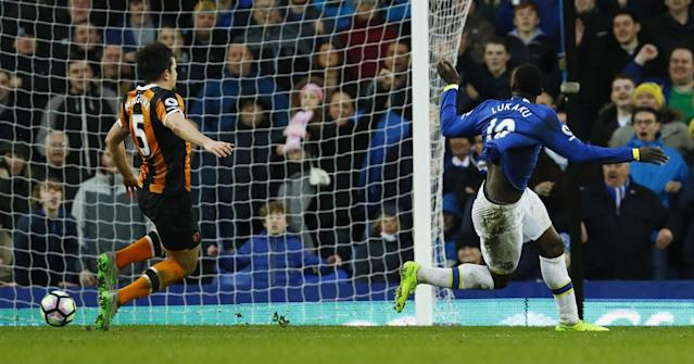<p>Everton's Romelu Lukaku scores their fourth goal </p>