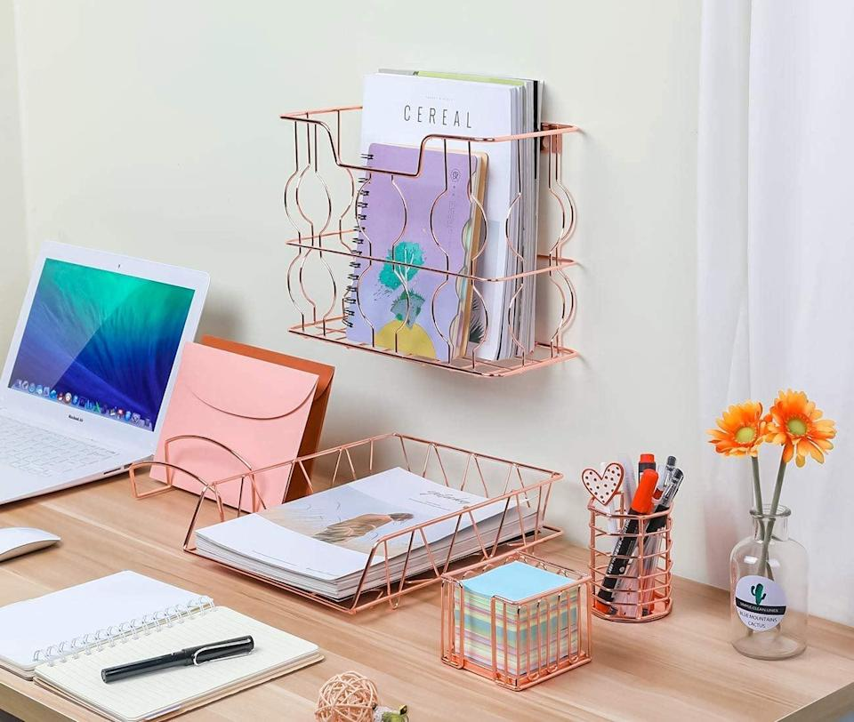 <p>How cute is this <span>Rose Gold Office Supplies</span> ($29) set?</p>