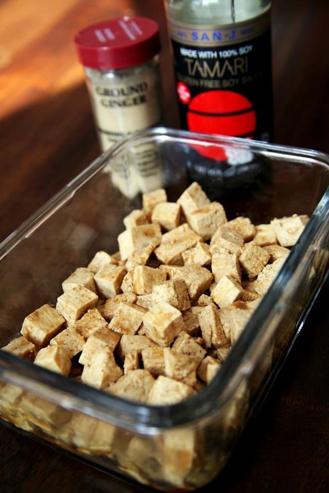 """<p>I love pairing this easy tofu recipe with a scoop of quinoa, some steamed broccoli, and half an avocado for a simple and satisfying meal. (Note: the quinoa has to marinate for an hour and then bake for 30-45 minutes, so best to prep this one on the weekend.)</p> <p>Get the recipe: <a href=""""https://www.popsugar.com/fitness/Easy-Healthy-Tofu-Recipe-46221539"""" class=""""ga-track"""" data-ga-category=""""Related"""" data-ga-label=""""https://www.popsugar.com/fitness/Easy-Healthy-Tofu-Recipe-46221539"""" data-ga-action=""""In-Line Links"""">baked sesame tofu</a></p>"""